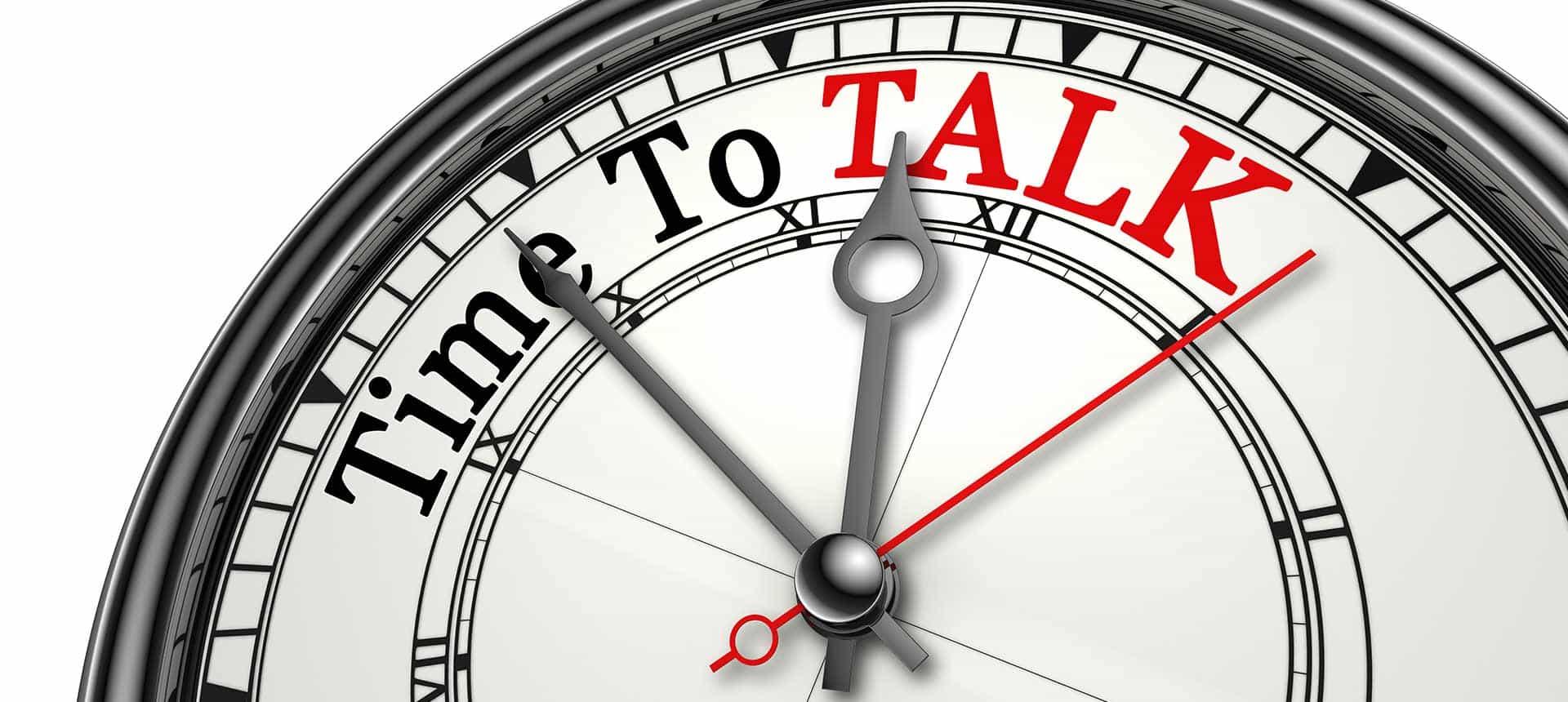 По-добре е да се наблегне на граматиката или на разговорните умения при уроците по английски?