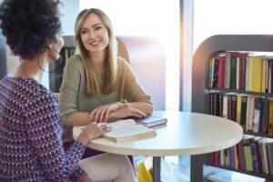 Как да се научим да общуваме с чужденци, без да се притесняваме — изображение