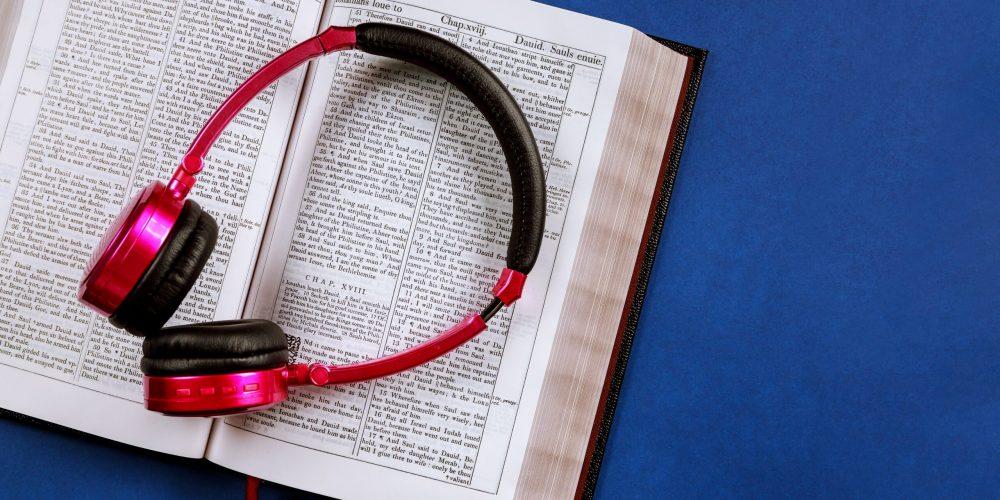 Може ли да научите чужд език от аудио книги - изображение